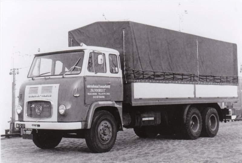 Scania-zonder-en-met-nieuwe-opbouw--LB-76-