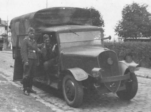 Latil--Camion
