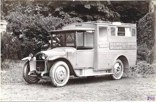 Latil-Ambulance