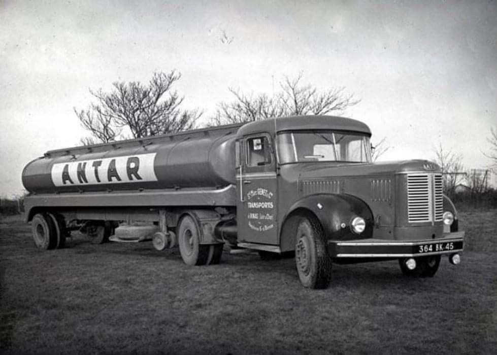 Latil-Tanker-Trailer