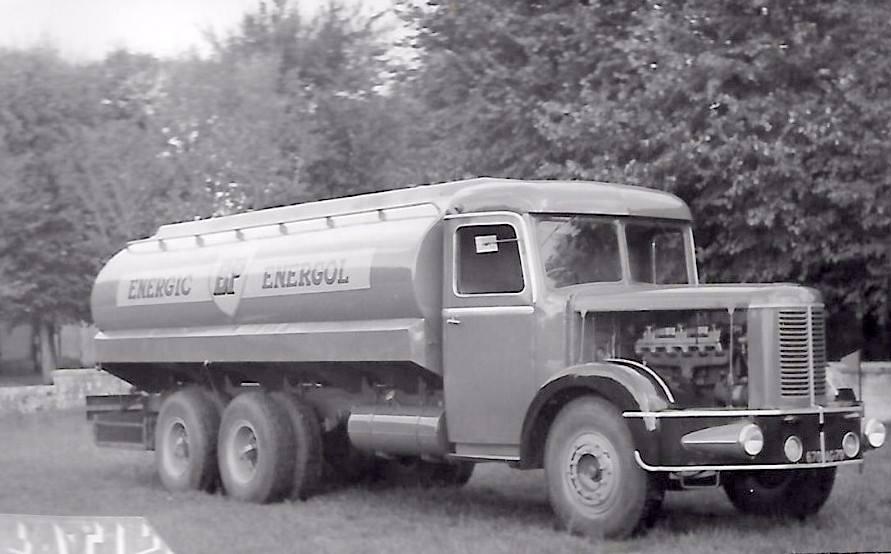 Latil-tankwagen