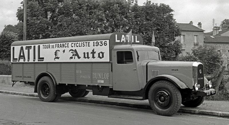Latil-truck-van-de-tour-de-france--vrachtwagen-koffer--uit-1936