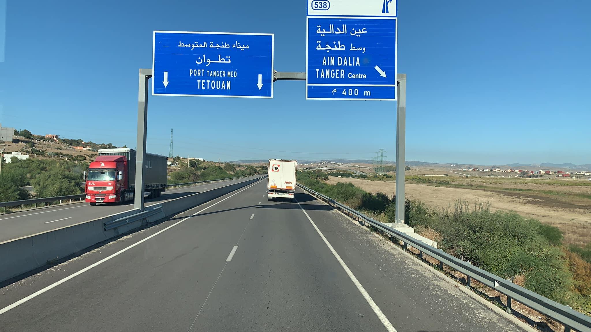 17-1-2020-met-koeler-naar-Marokko-en-met-een-zeilen-oplegger-die-in-Spanje-stond-terug--(16)