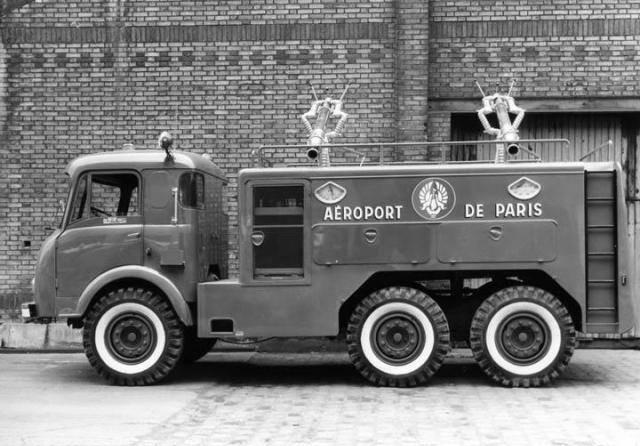 Latil-6X6-1950-Pompiers