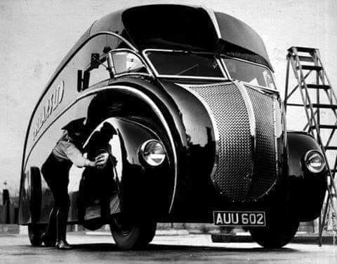 Commer-2-ton-chassis-with-art-deco-streamlined-van-body-by-Holland-Coachcraft--1933-