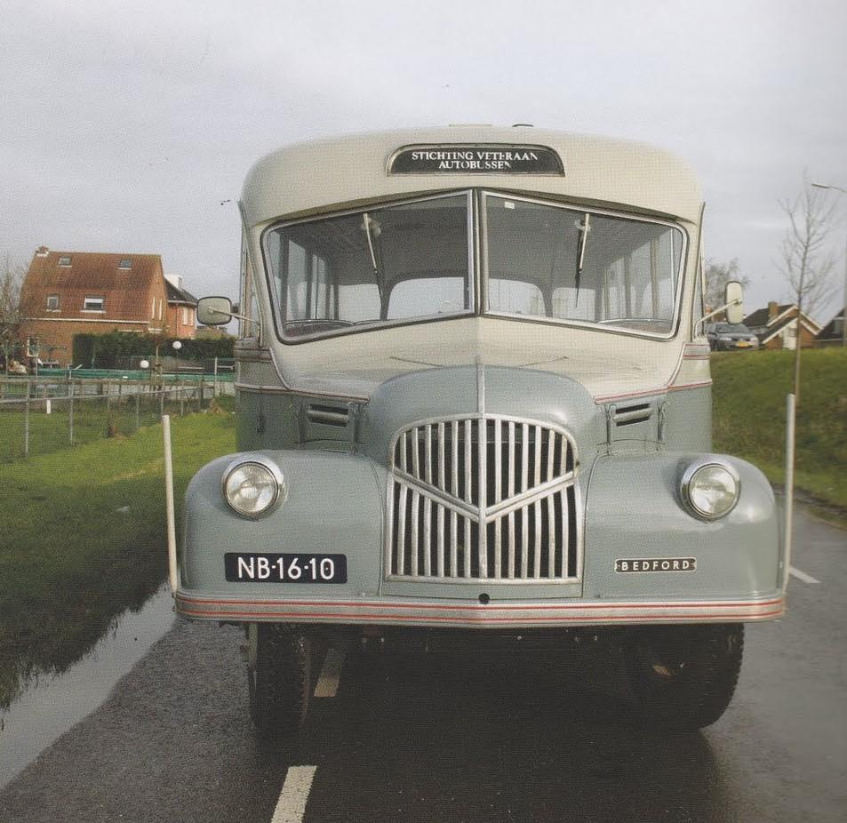 van-oude-leger-bus-dit-gemaakt--1_