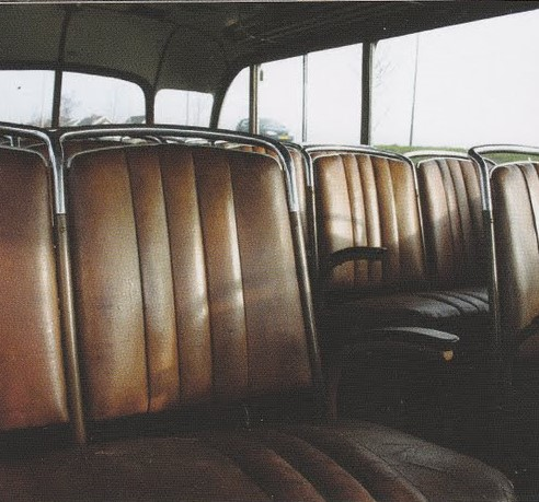 van-oude-leger-bus-dit-gemaakt-2_