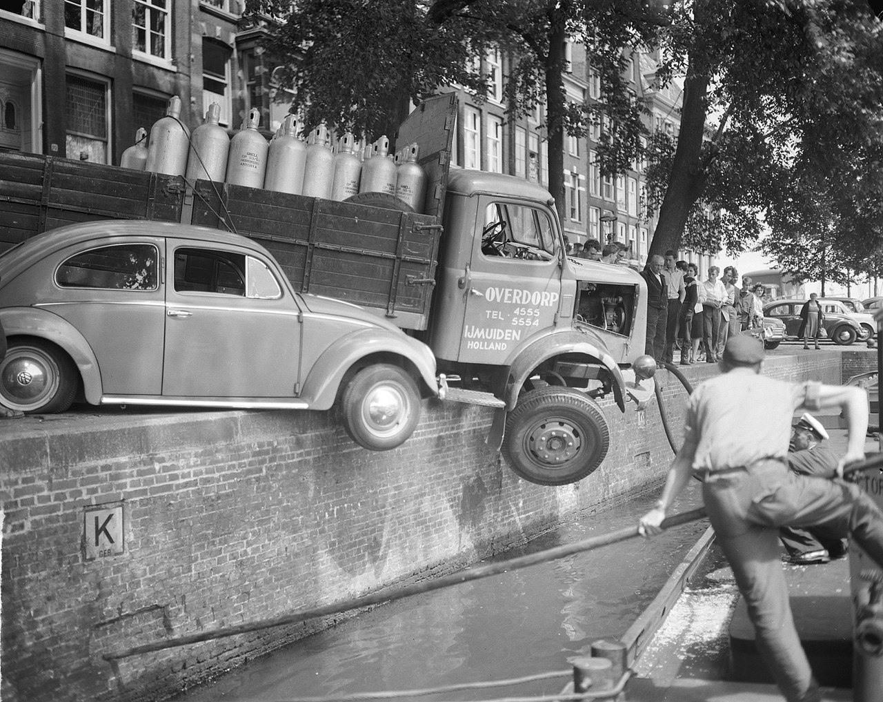 Henschel-in-Problemen-in-Amsterdam