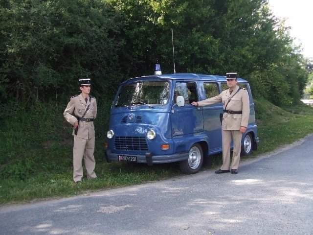 Renault-Estafette-gendarmerie