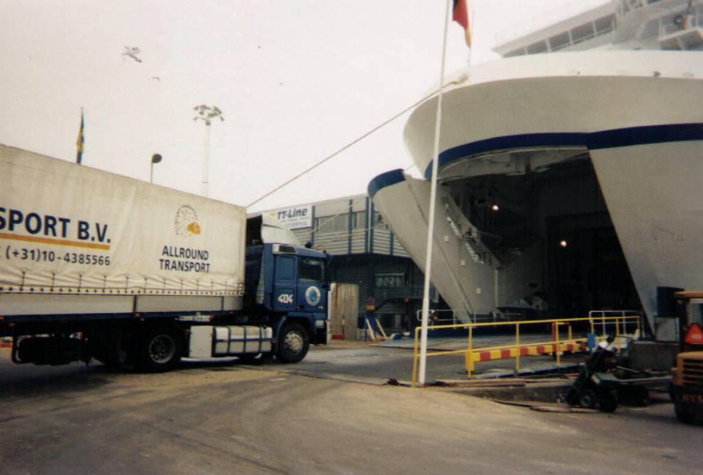 NR-404-Rene-gaat-op-de-ferry-naar-Zweden