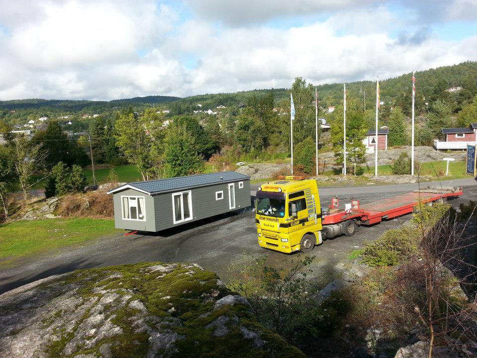 29-9-2013-2-chalet-naar-Noorwegen-1-voor-een-camping-ander-voor-een-beurs-(11)