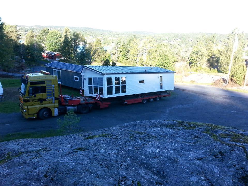 29-9-2013-2-chalet-naar-Noorwegen-1-voor-een-camping-ander-voor-een-beurs-(6)