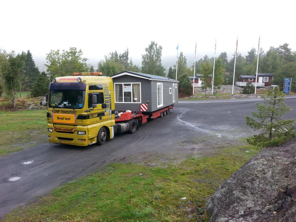 29-9-2013-2-chalet-naar-Noorwegen-1-voor-een-camping-ander-voor-een-beurs-(9)