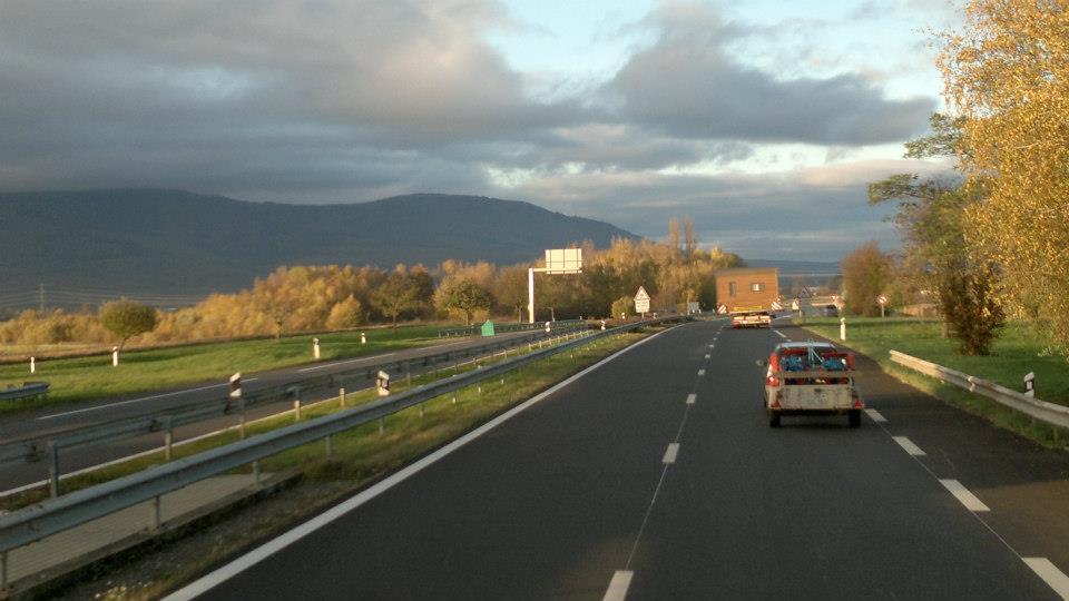 9-11-2012-caravans-van-Frankrijk-naar-Duitsland--Loudeac-naar-Wackersdorf-(12)