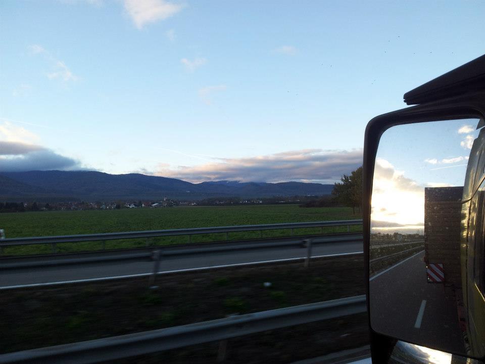 9-11-2012-caravans-van-Frankrijk-naar-Duitsland--Loudeac-naar-Wackersdorf-(20)
