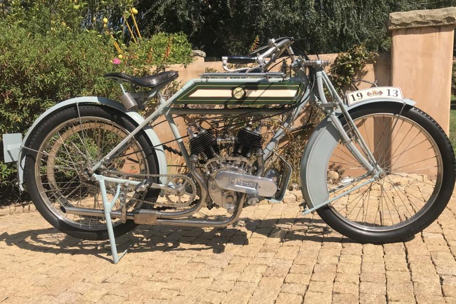 Rex-Jap-1913-aangepast-voor-racing-680-CC-V-twin-(1)
