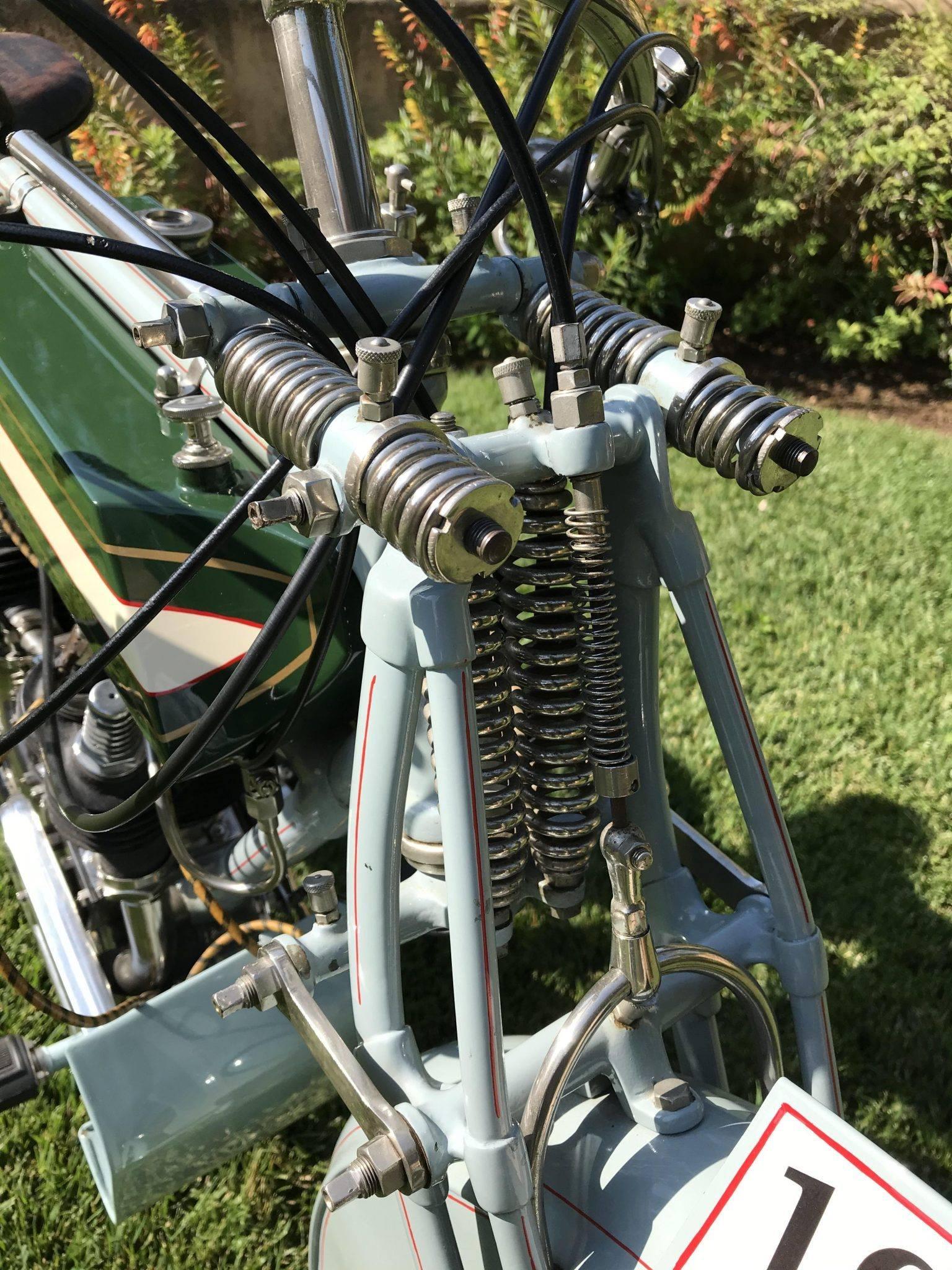 Rex-Jap-1913-aangepast-voor-racing-680-CC-V-twin-(5)