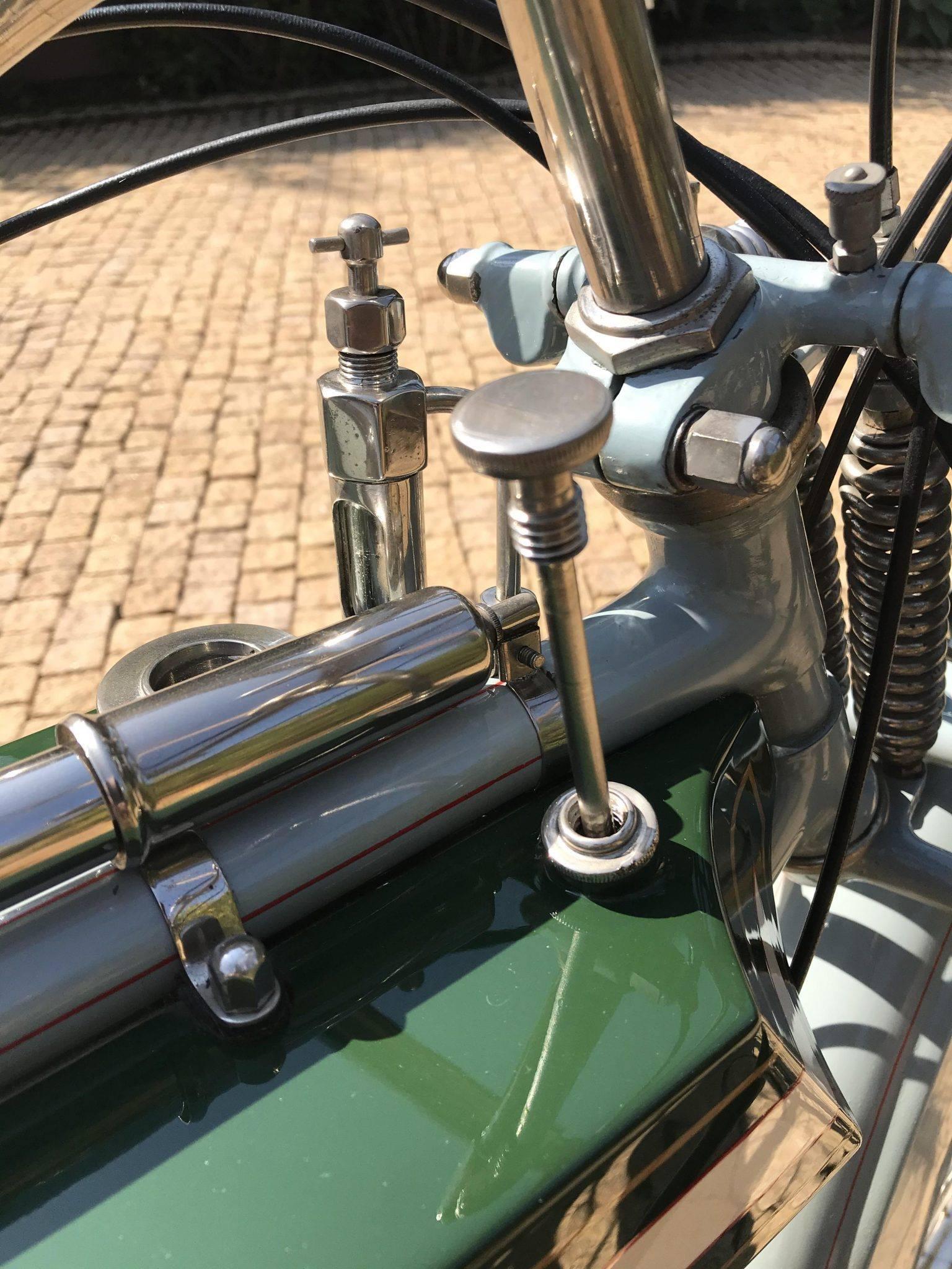 Rex-Jap-1913-aangepast-voor-racing-680-CC-V-twin-(8)