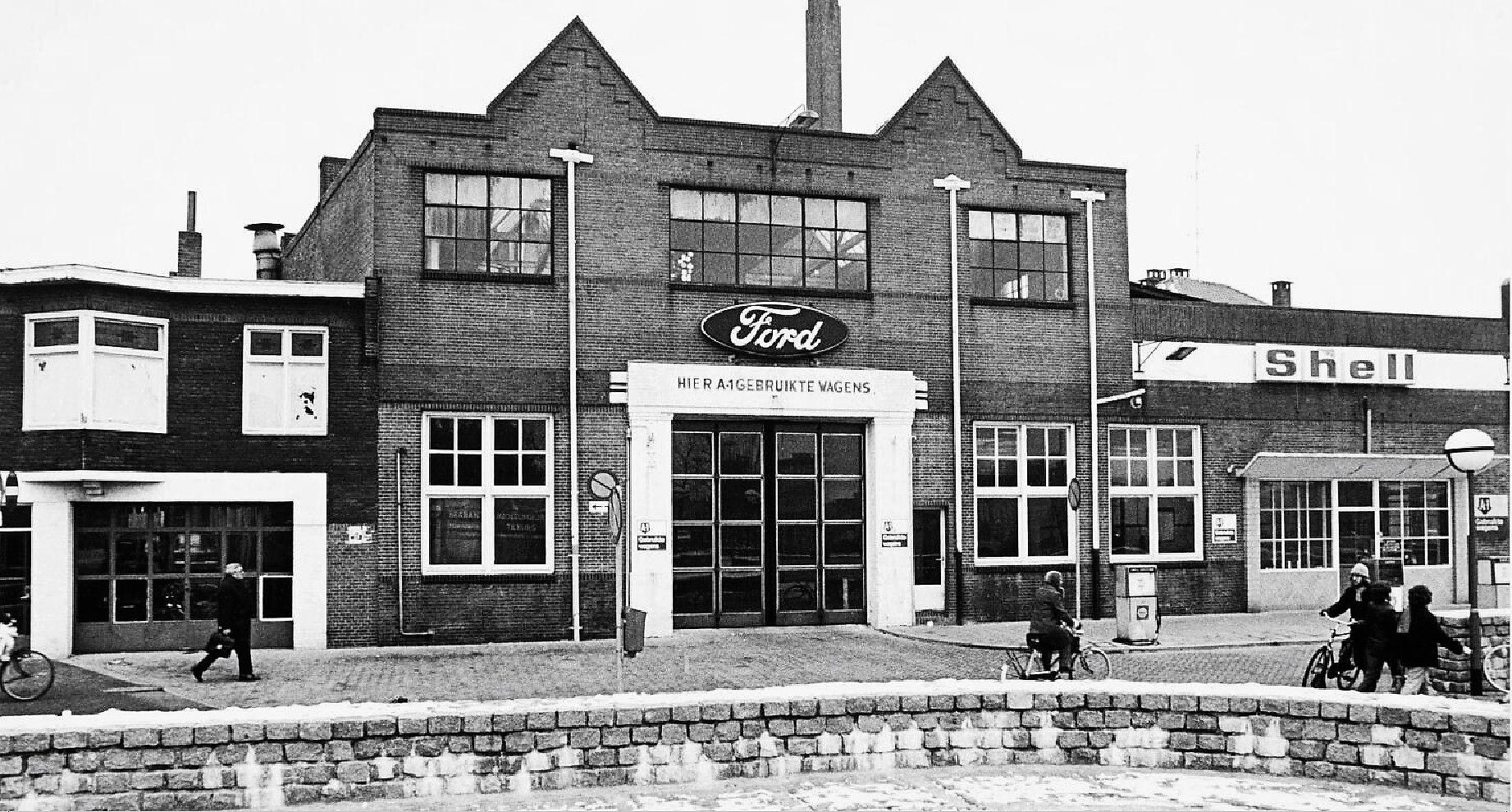 1976-Piusplein--Garage-Knegtel