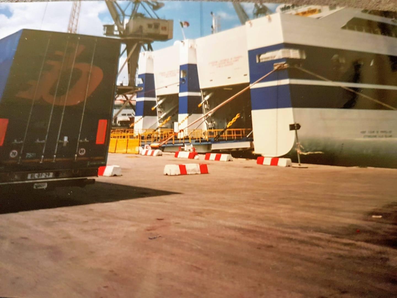 Marian-Bergwerf-bij-de-ferry-in-Palermo