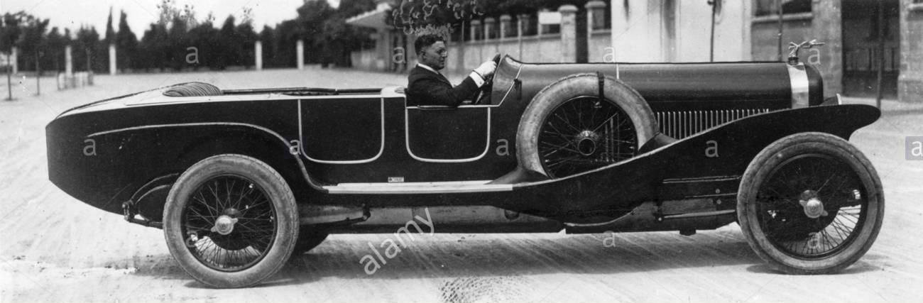 1923un-isotta-fraschini-tipo-8-con-speciale-corpo-sportivo-questa-vettura-pilotata-da-anderloni-ha-fatto-il-giro-piu-veloce-nel-1923-monza-500-km-di-gara-mentre-la-vettura-gemella-guidata-da-vincenzo-