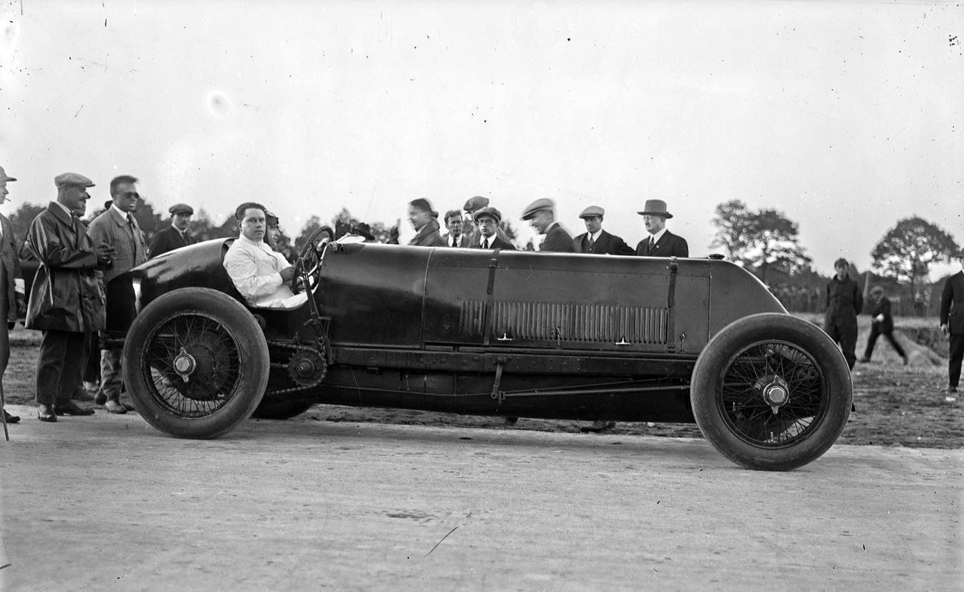 Fiat-Montlhery,-11-oktober-1924,-Elridge-met--Fiat--Mephisto-