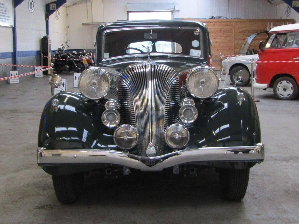Triumph-Dolomite-Saloon--1938--2000-CC-6-Cyl-kopklepper-4-versnellingen-bladvering-voor-en-achter-(3)