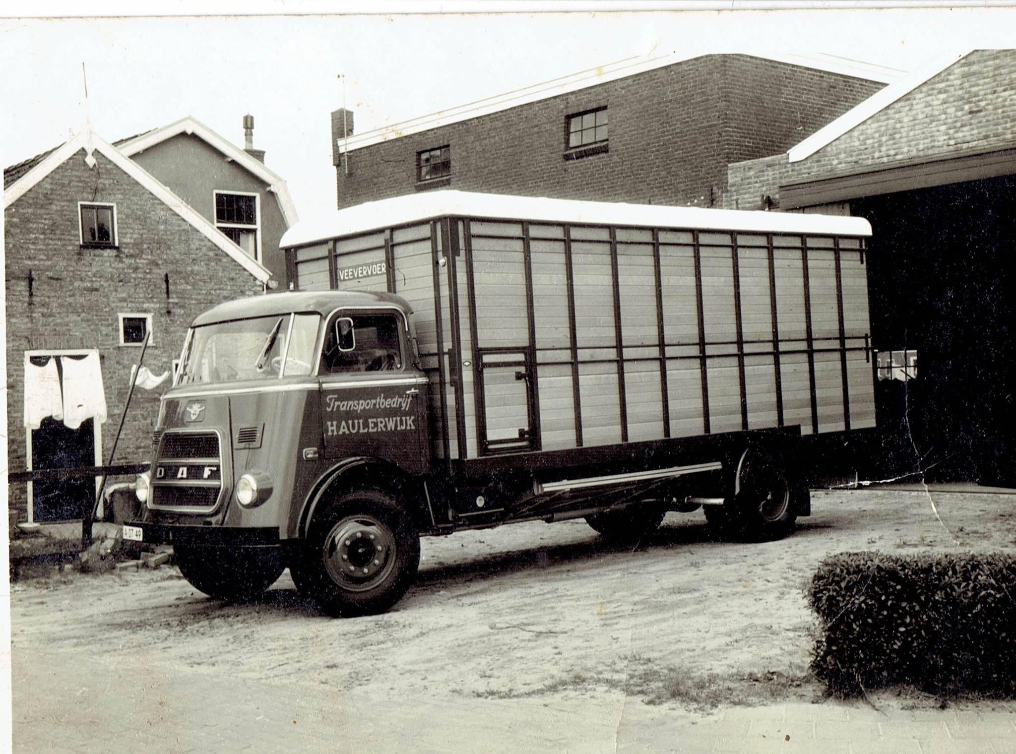 2-oude-auto-s-van-Boonstra-Haulerwijk,-waar-mijn-vader-mee-gereden-heeft--Girbe-Buist--(2)