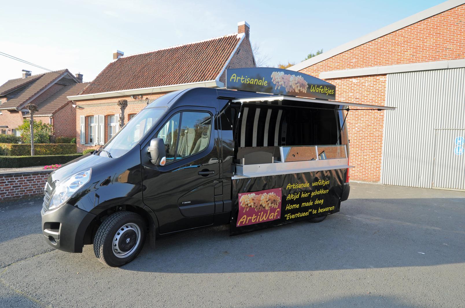 ARTIWAF,-vers-bereide-artisanale-wafels-op-de-markt-heeft-een-nieuwe-bestelwagen--8-11-2020--(1)