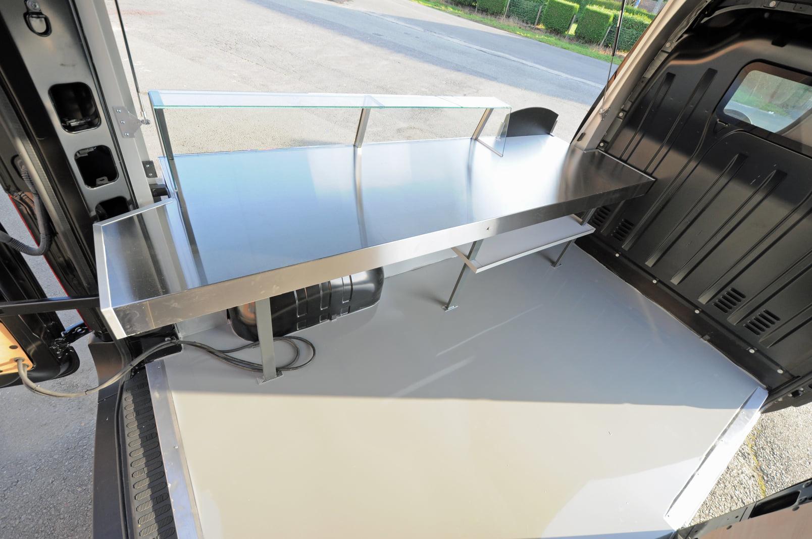 ARTIWAF,-vers-bereide-artisanale-wafels-op-de-markt-heeft-een-nieuwe-bestelwagen--8-11-2020--(2)