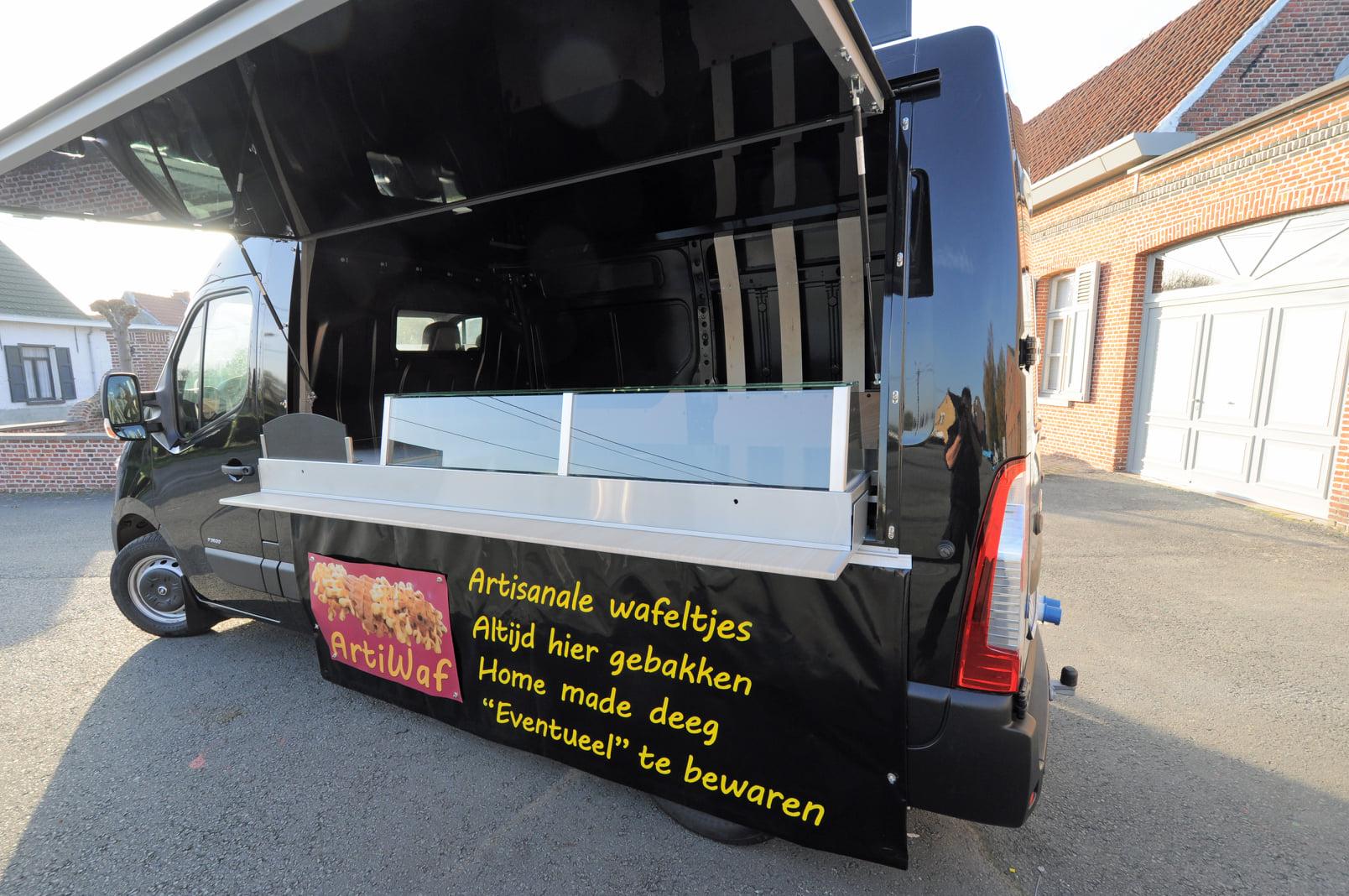 ARTIWAF,-vers-bereide-artisanale-wafels-op-de-markt-heeft-een-nieuwe-bestelwagen--8-11-2020--(4)