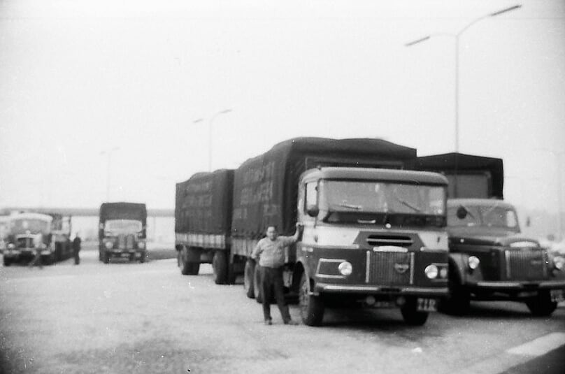 -Volvo-met-eigenbouw-cabineBS-38-21-(3)