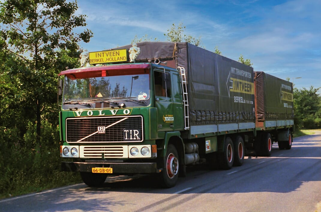 Volvo-(43)