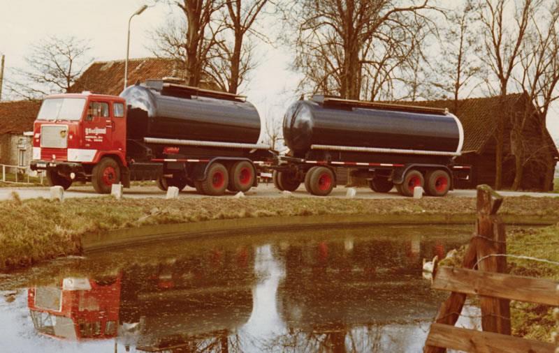 Volvo-F88-Op-de-Kleihoogt-in-de-bocht-bij-Piet-van-Winden