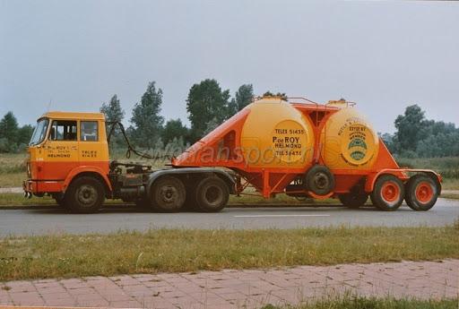 Henschel-met-bollen-oplegger