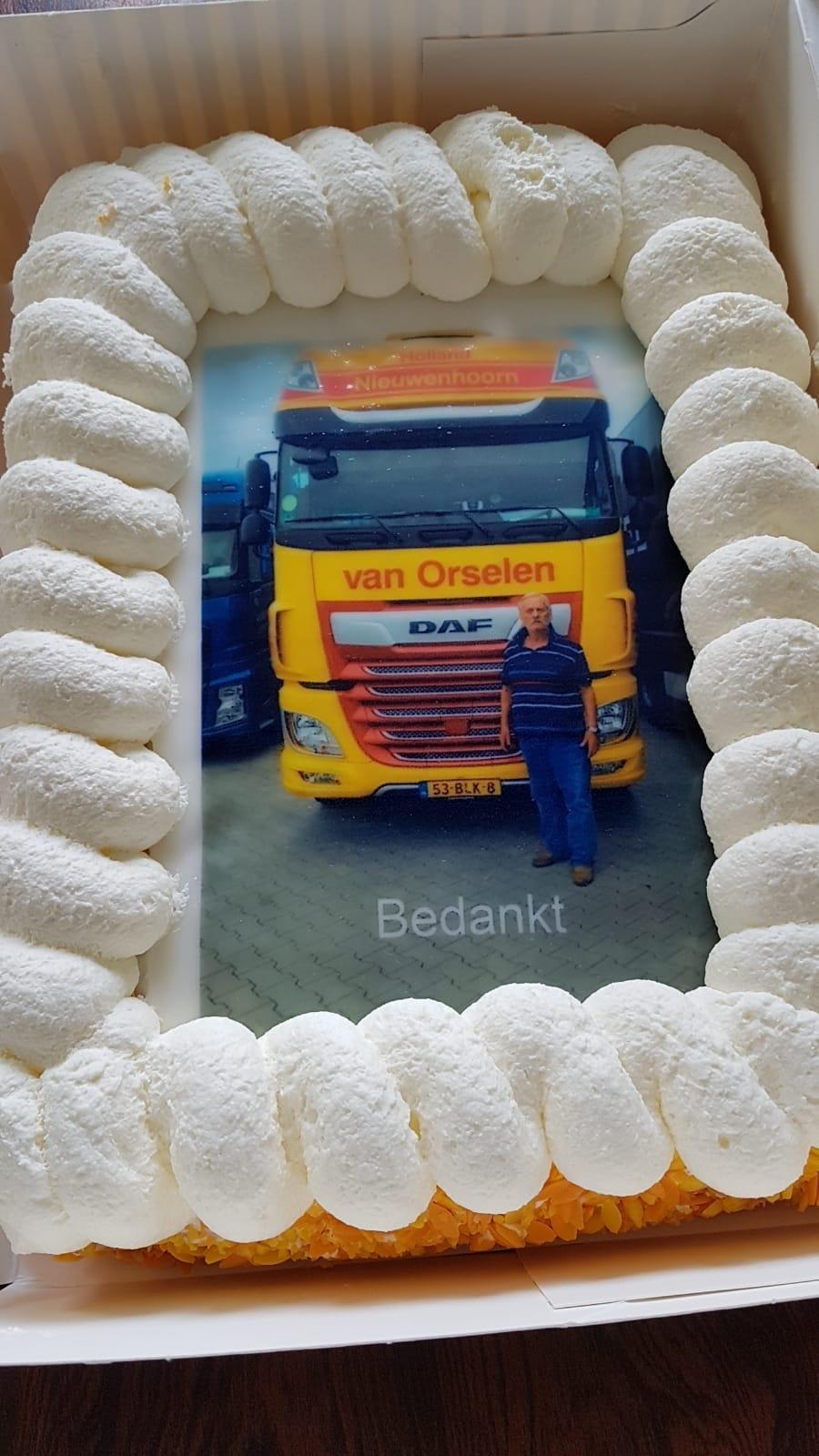 Op-28-augustus-heeft-Nusret-Birgen-zijn-laatste-rit-bij-ons-gereden-en-hij-gaat-nu-genieten-van-zijn-welverdiende-pensioen--(1)