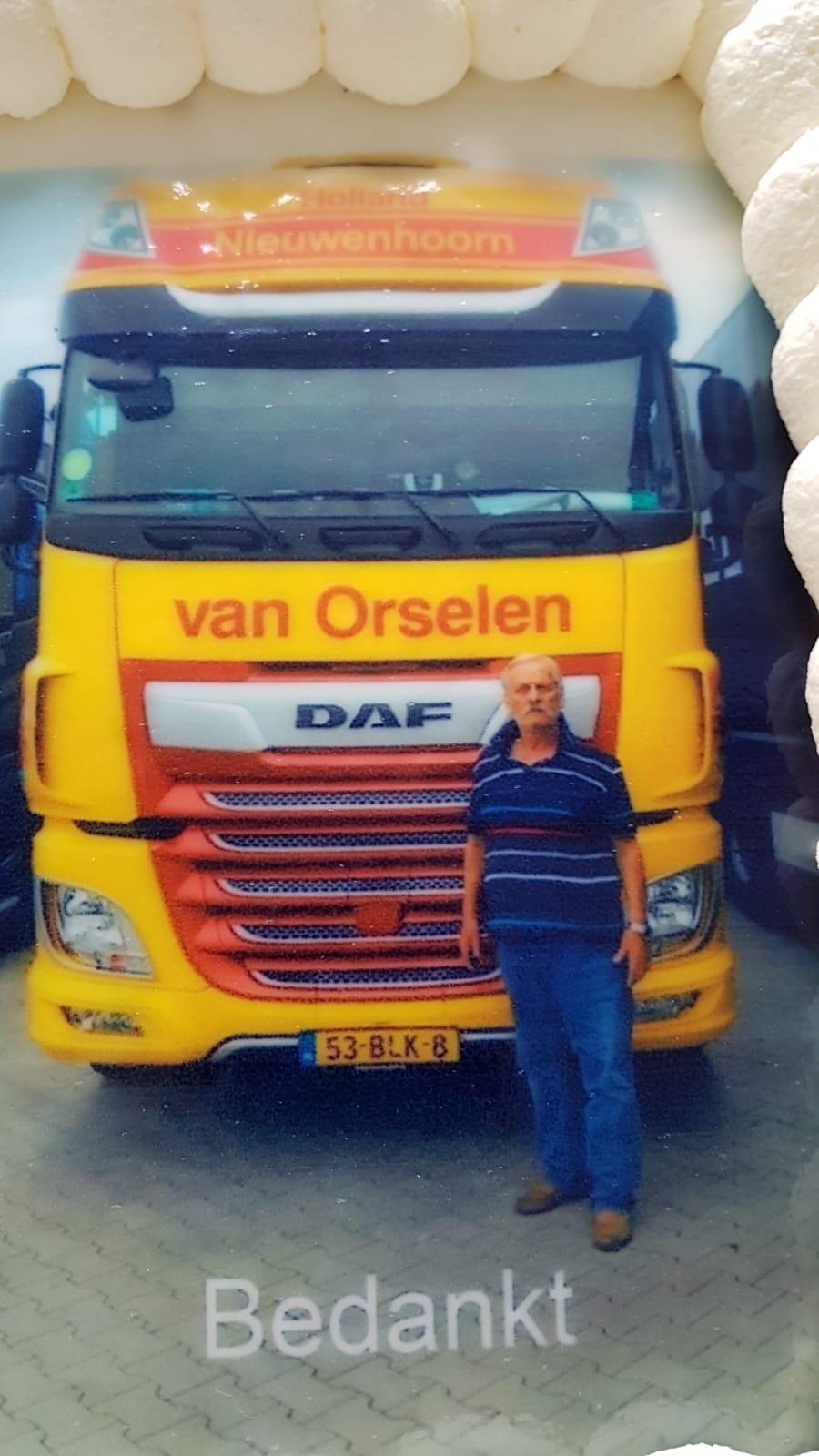 Op-28-augustus-heeft-Nusret-Birgen-zijn-laatste-rit-bij-ons-gereden-en-hij-gaat-nu-genieten-van-zijn-welverdiende-pensioen--(2)