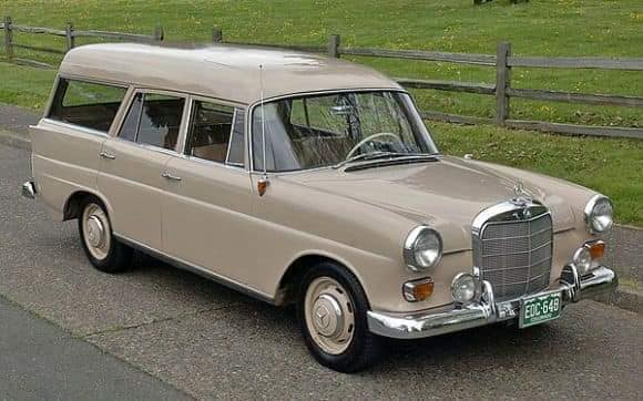 Mercedes-Benz-Fintailwagen-1964--(1)