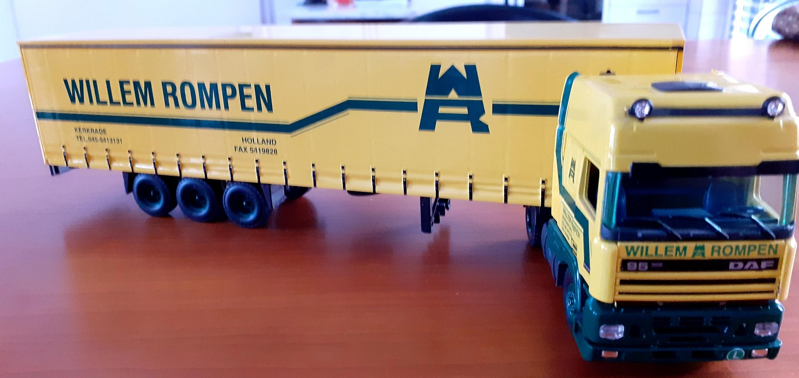 Willem-Rompen-Xavier-Walstock-berwerkte-delen-modellen-(14)