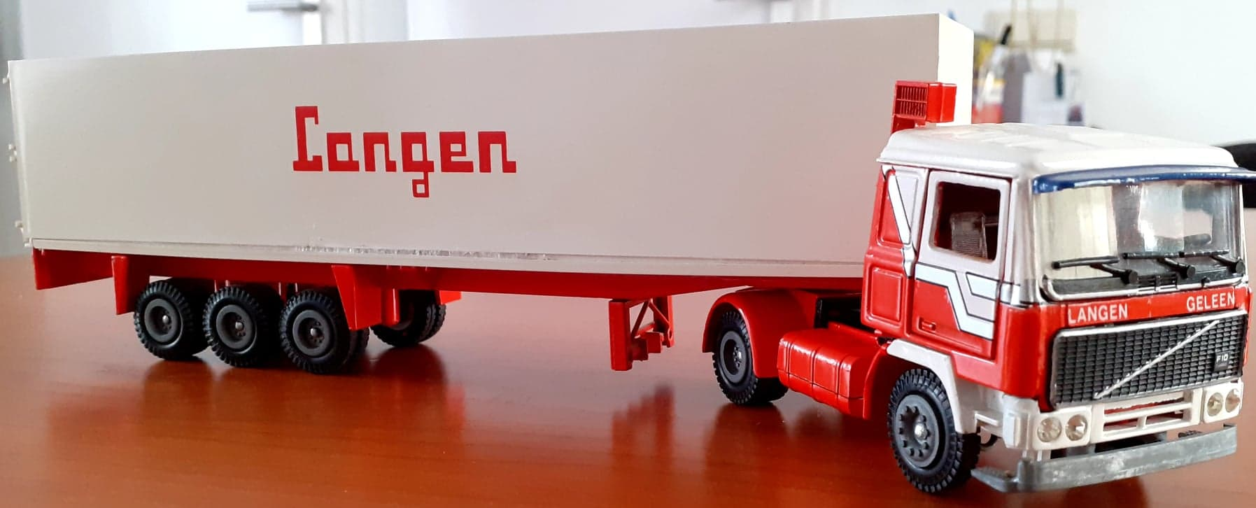 Langen-Xavier-Walstock-heeft-deze-modellen-bewerkt-(21)