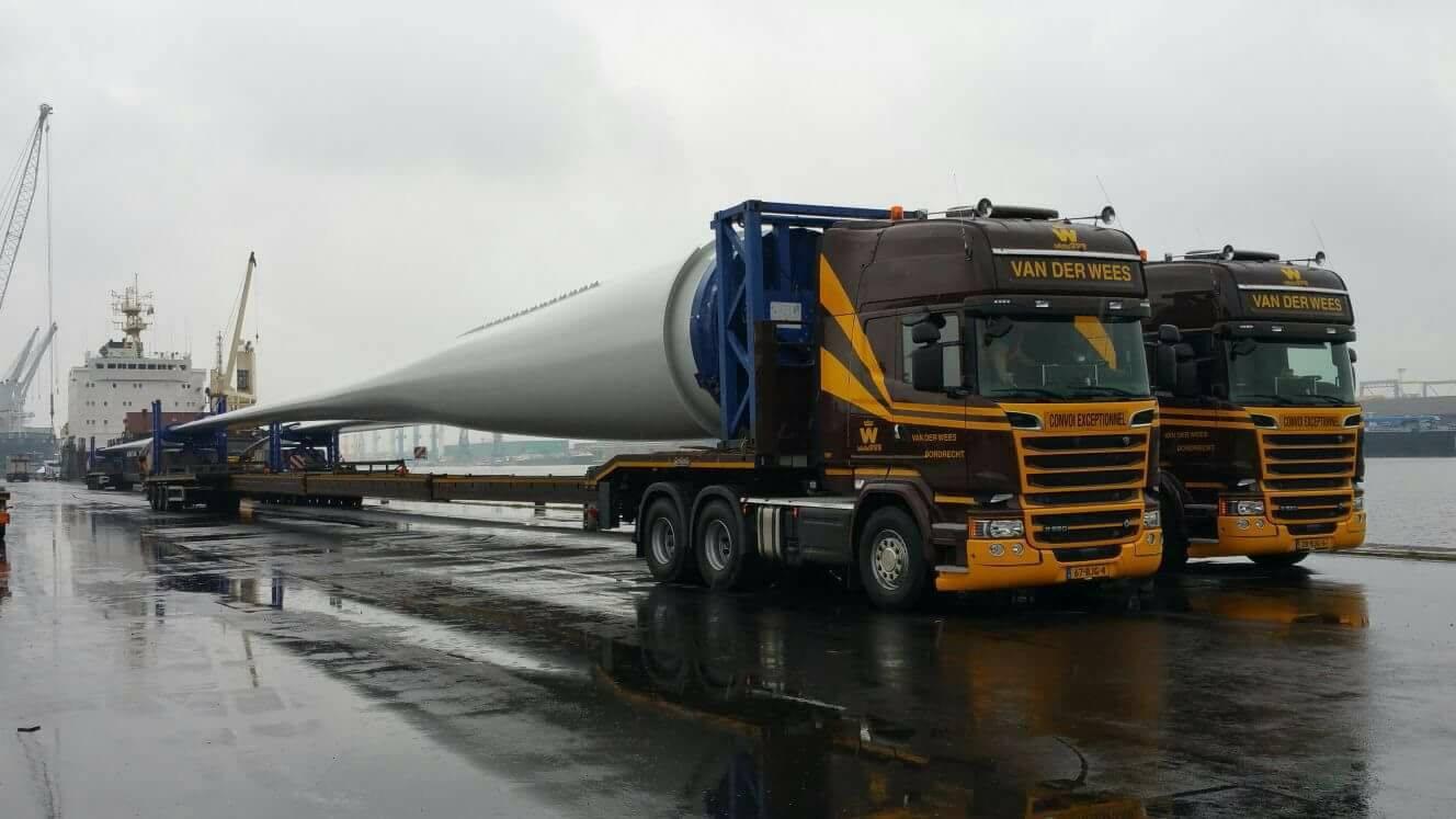 Scania--Van-Antwerpen-naar-Frankijk-met-54-meter-vleugels--3-5-2017