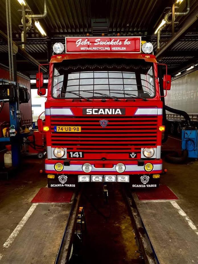 Scania-V8-voor-de-39-ste--keer-weer-door-de-APK