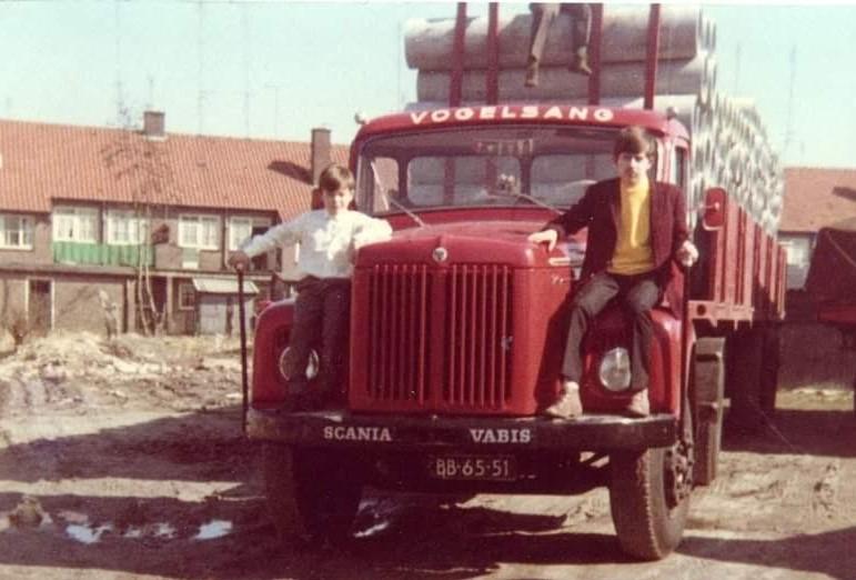 Scania-Vabis-de-inzender-van-de-foto-Dhr-Konings-zit-boven-op