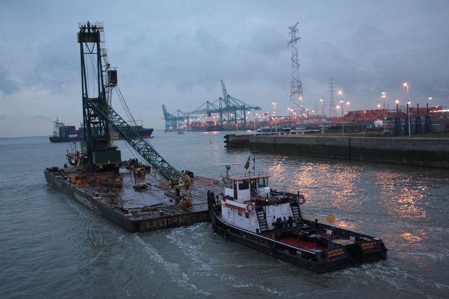 Transport-Gottwald-320-ton-kraan--2011-januari-(2)