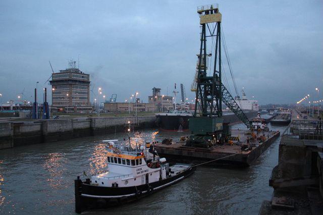 Transport-Gottwald-320-ton-kraan--2011-januari-(3)