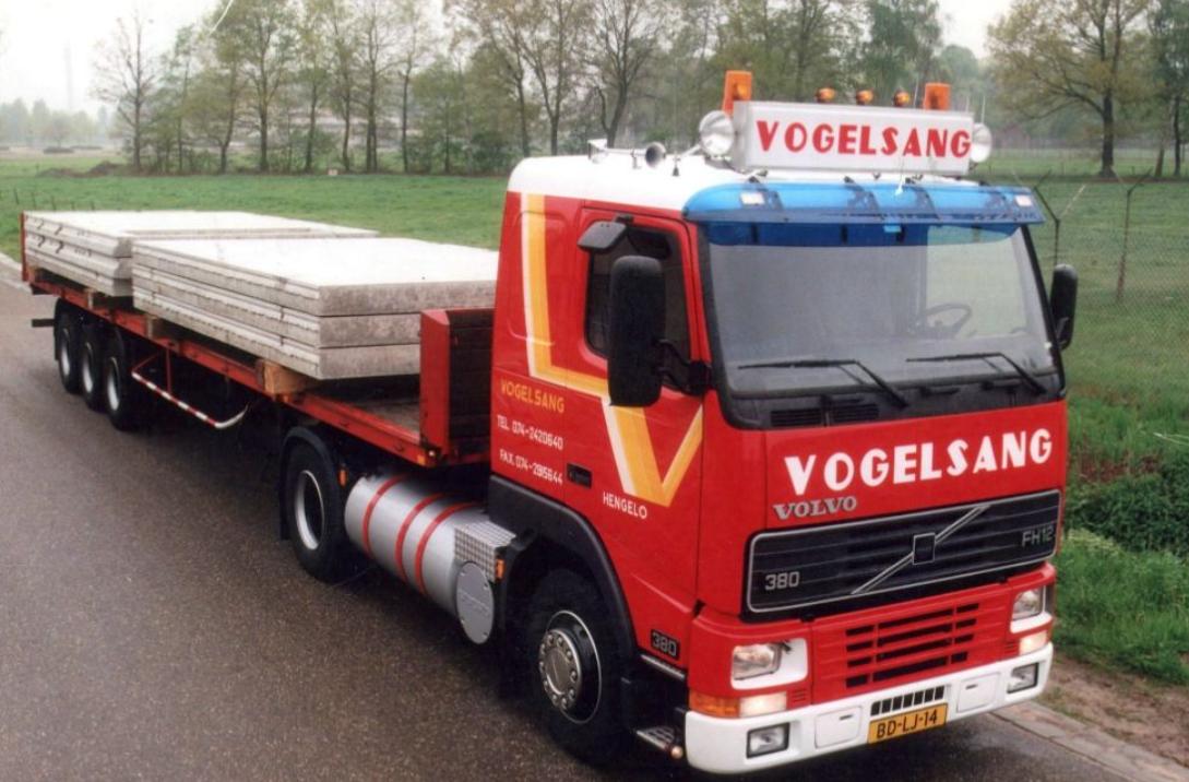 Volvo-met-betonplaten