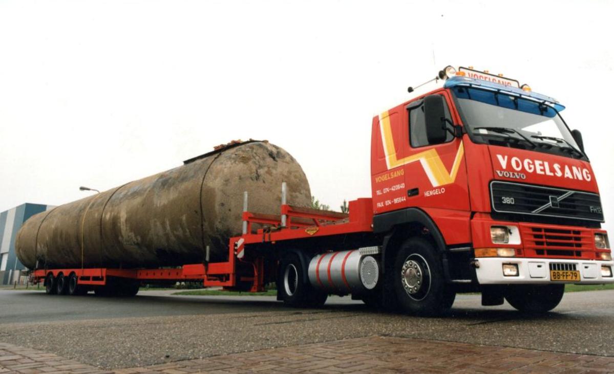 Volvo-speciaal-transport-voor-Scholtes