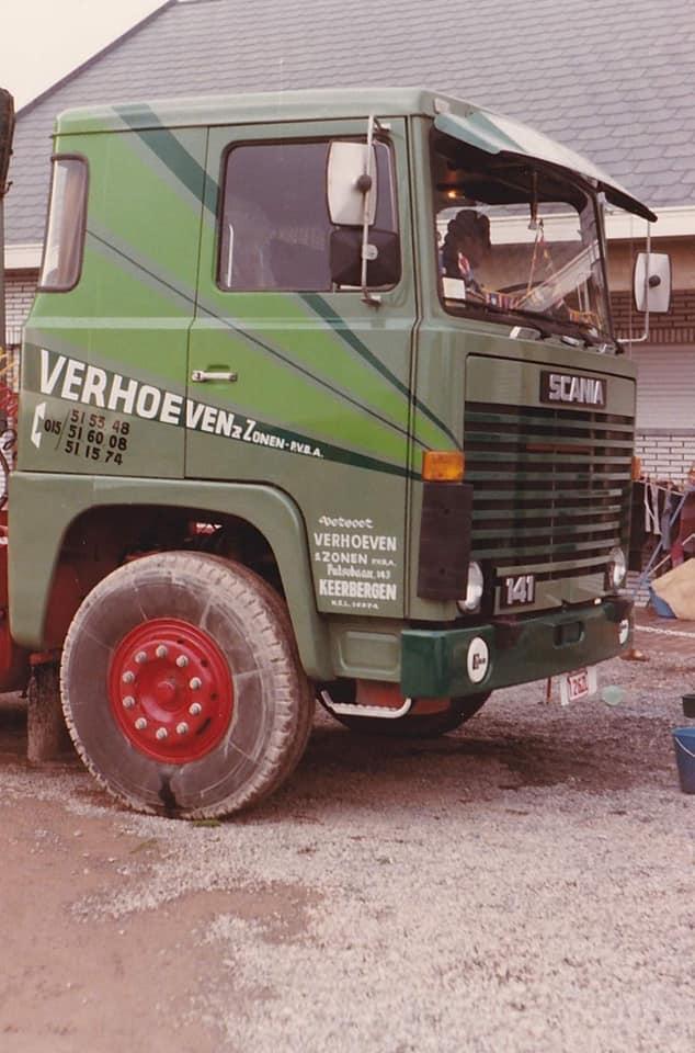 Dirk-Van-den-Put---Scania-141-op-hof-bij-Verhoeven-