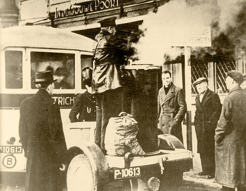 lijnbus-met-vergasser-tussen-1940-en-1945--