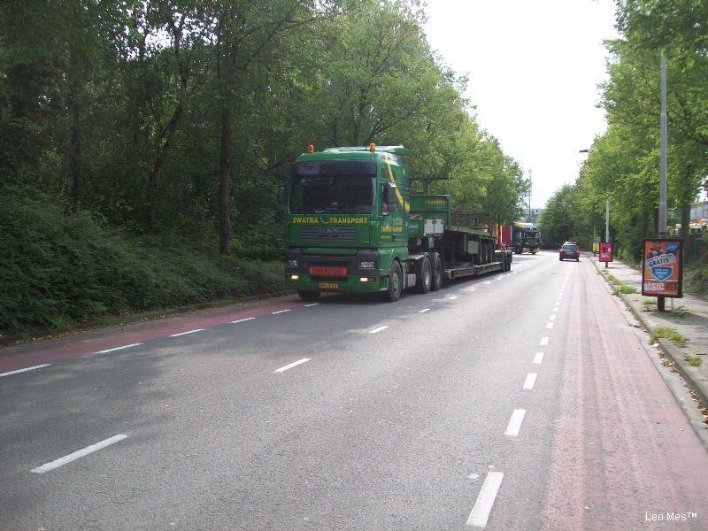 Colagge-uitzonderdelijk-transport-foto-Leo-Mes-(11)